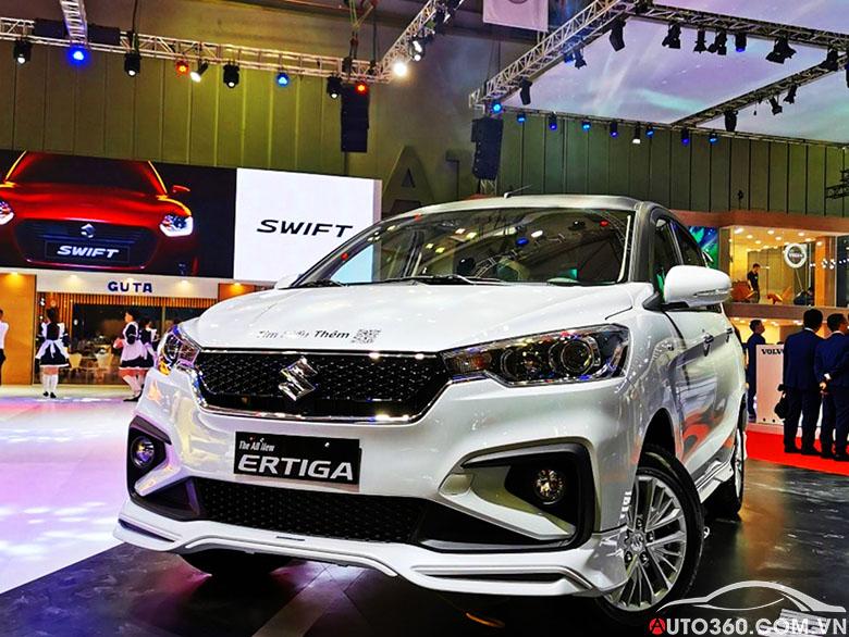 Suzuki Ertiga tại showroom ô tô Suzuki Đại Lợi