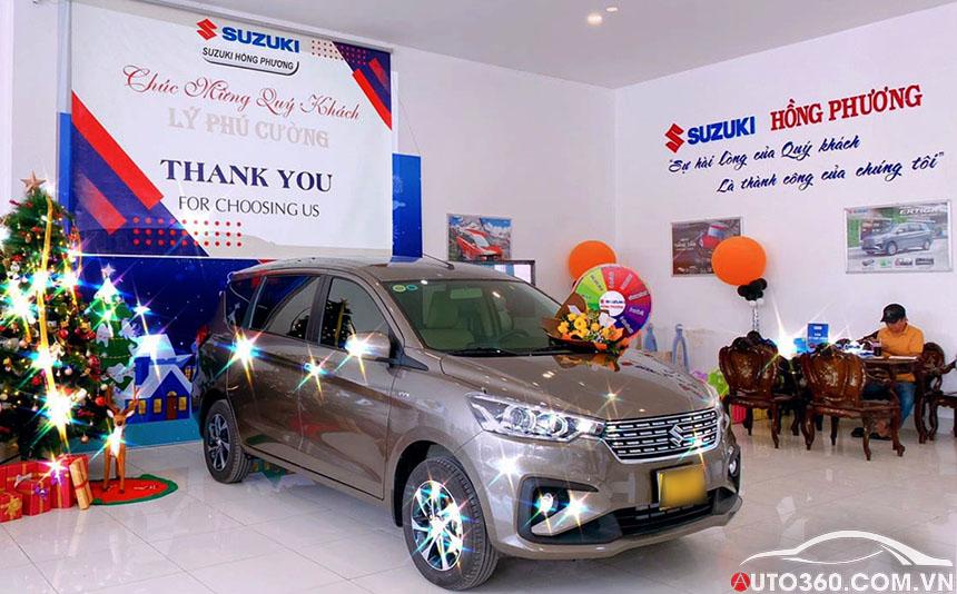 Suzuki Ertiga tại showroom ô tô Tiền Giang